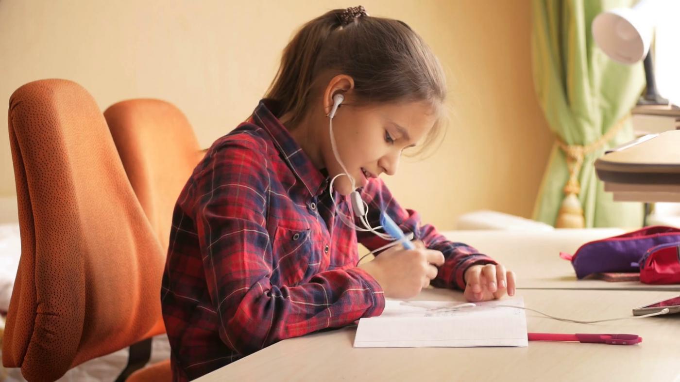 girl-doing-homework