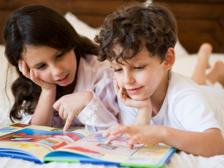 boy-and-girl-reading