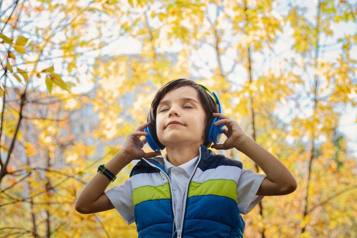 boy-listening-with-headphones
