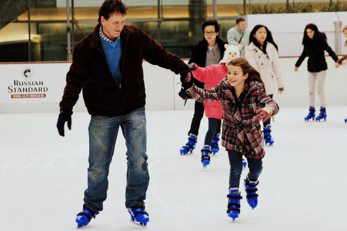 father-and-daughter-ice-skating