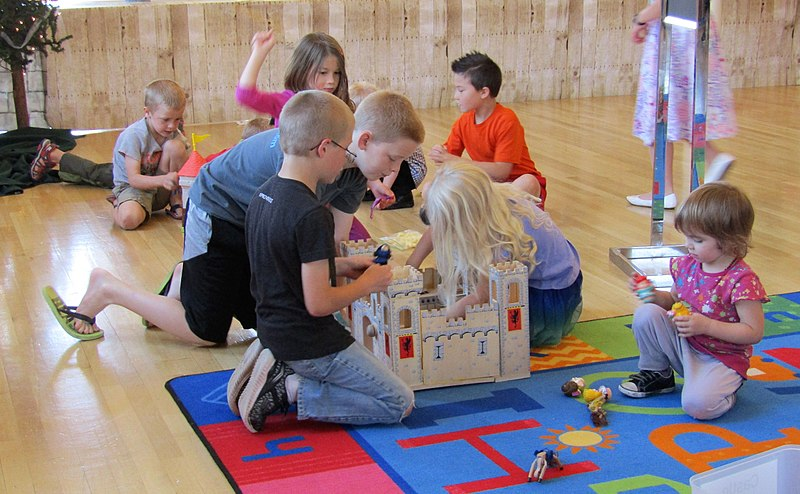 children-creating-a-castle